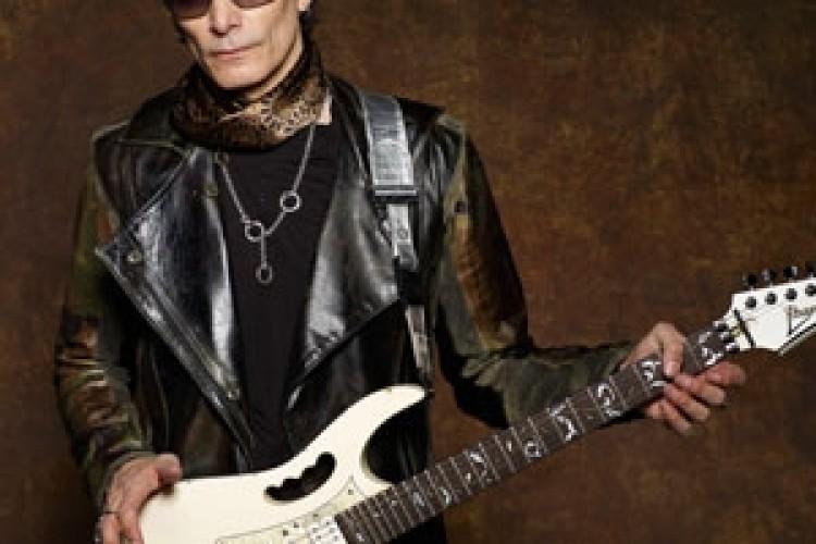 La chitarra aliena torna a farci visita: Steve Vai a Padova