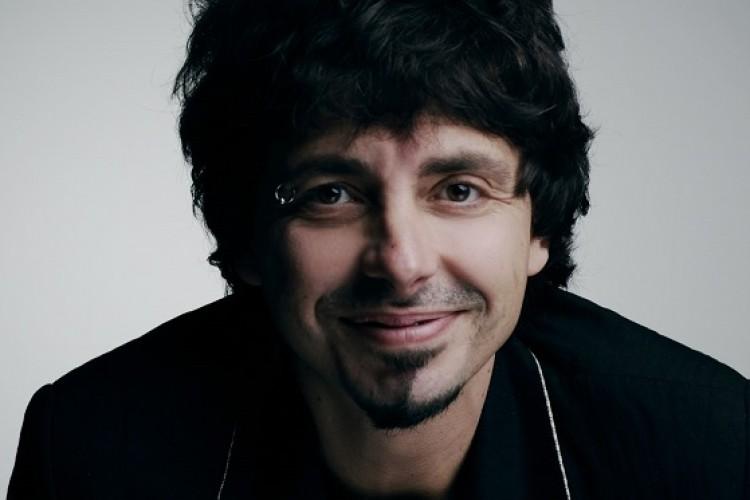 Riccardo Sinigallia live il 14 aprile a Milano