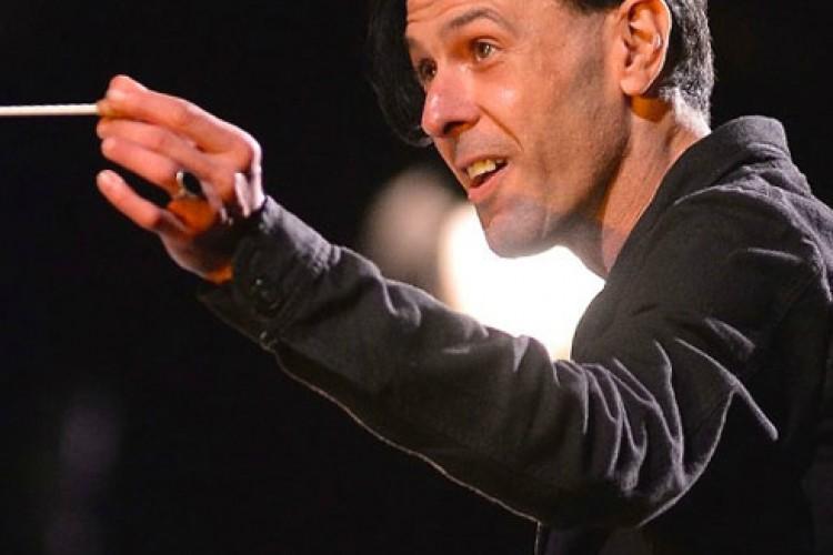 Ezio Bosso direttore d'orchestra al Teatro La Fenice di Venezia