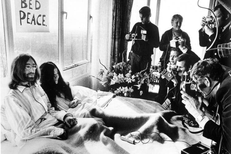 A Milano 'Bed in ' In ricordo di John LENNON