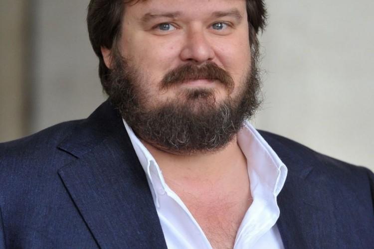 Giuseppe Battiston: tra cinema, fiction e teatro, passando per Giovanni Pascoli