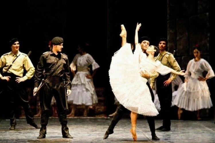 La 'Carmen' della compagnia Balletto del sud in scena a Lanciano
