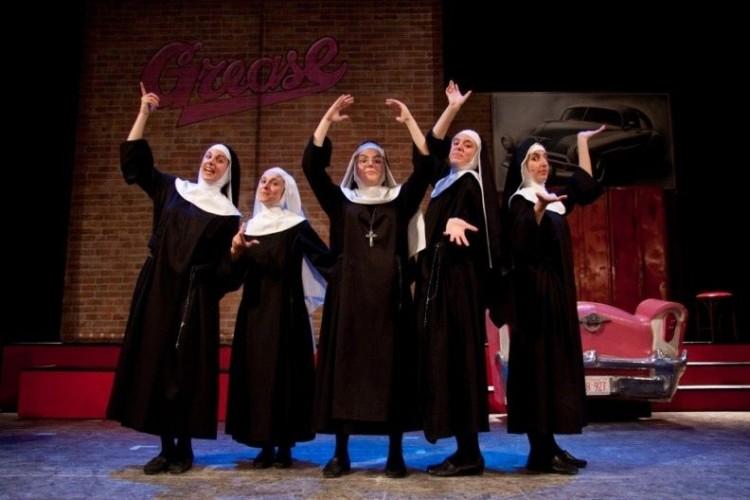 'Nunsense - Le amiche di Maria' a Milano, nel tempio del musical