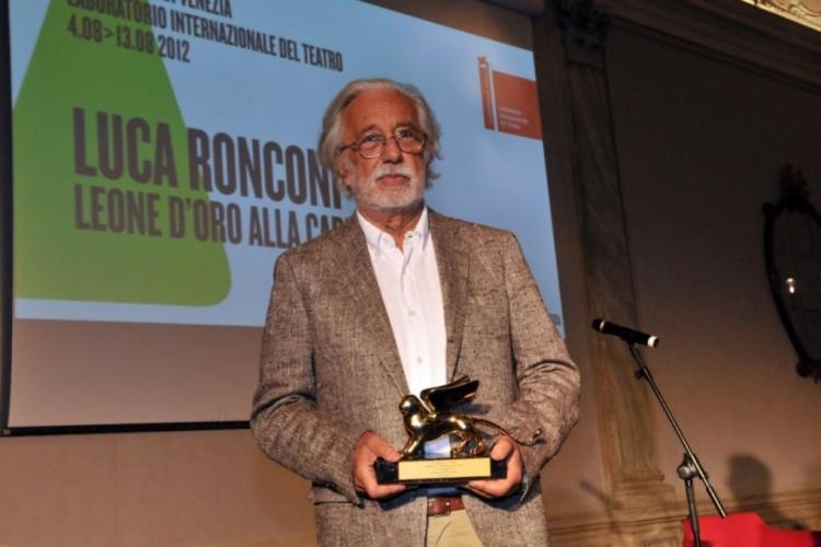 Luca Ronconi premiato con il Leone d'Oro alla carriera alla Biennale di Venezia
