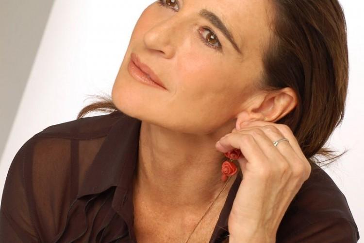 Lina Sastri ci racconta la sua 'cantata poetica in musica'