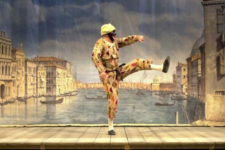 Torna il divertente 'Arlecchino servitore di due padroni', al Teatro Argentina