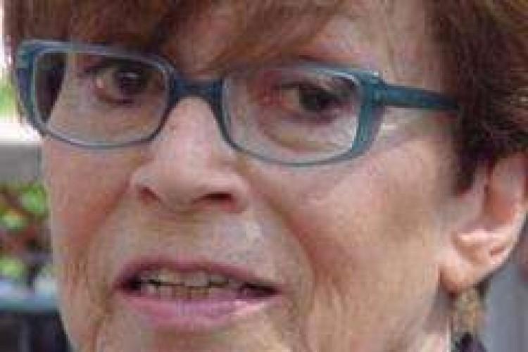 Franca Valeri: 'il palcoscenico e' l'unica isola felice'