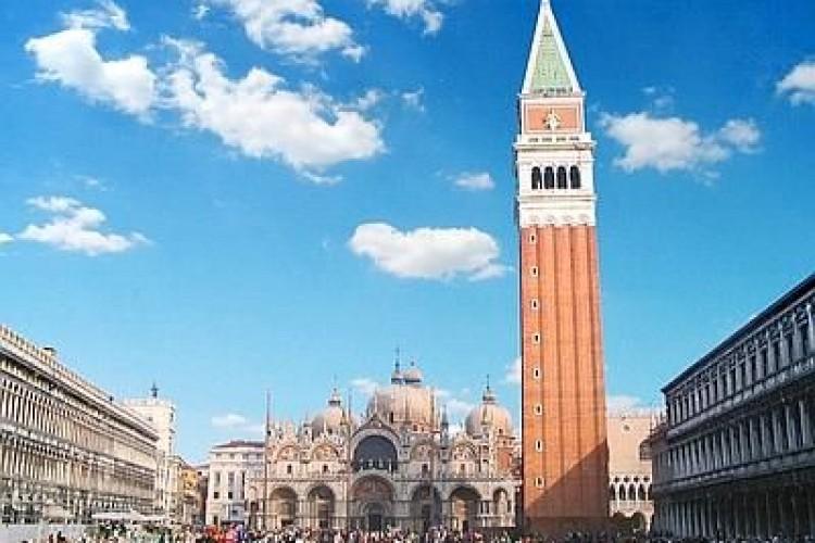 Il campanile di San Marco 'Com'era e dov'era', di Enrico Ricciardi, a Venezia