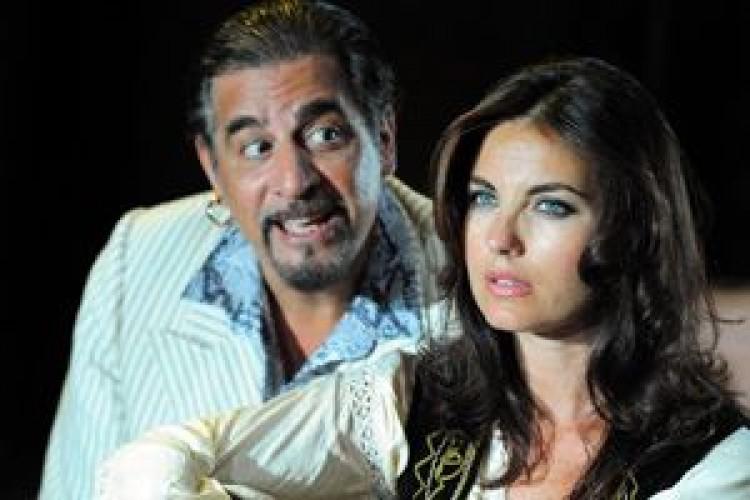 Vanessa Gravina ed Edoardo Siravo nelle Farse plautine a Falerone (FM)