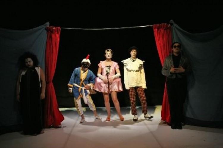 Da Napoli a Mosca, gli artisti di Punta Corsara al Teatro dei Marsi di Avezzano