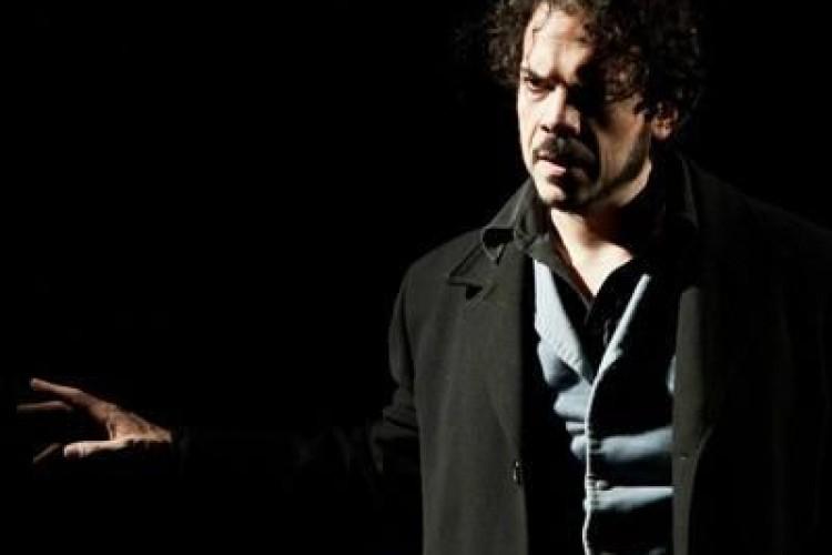 Il Giocatore di Alberto Oliva rilegge Dostevskij all'Out Off di Milano