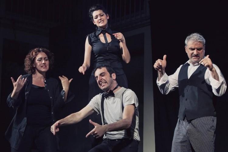 Singing in the dark: l'Improteatro Festival sposa Tim Burton