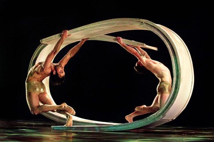 """L'Alchimia della danza dei """"Momix"""""""