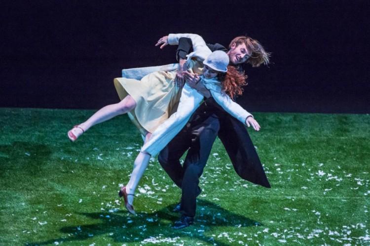 Michela Lucenti: quando il teatro si sporca le mani