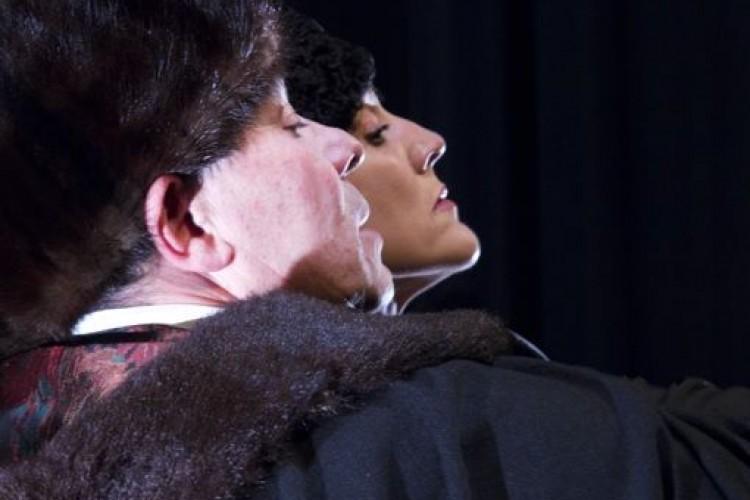 """Al teatro Menotti arriva la Compagnia Le Belle Bandiere con """"Svenimenti"""""""
