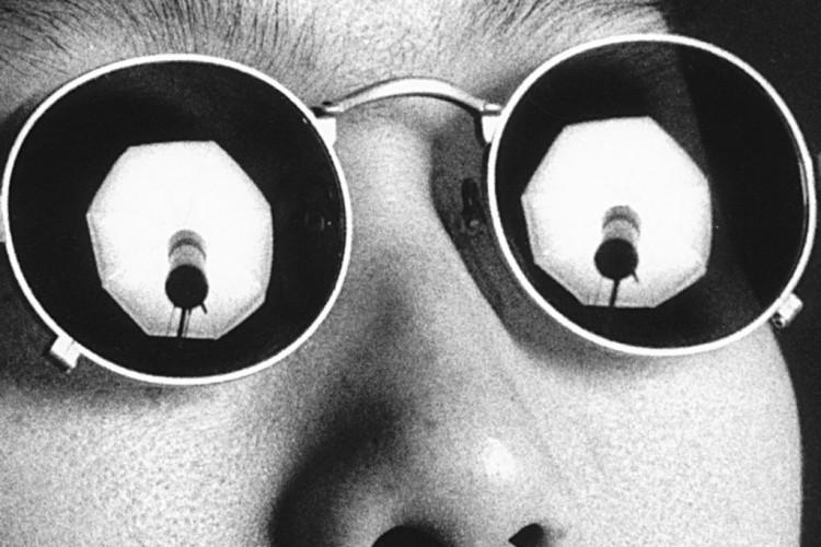 Il teatro è una torre d'avorio: 'Chiudi gli occhi' di Patrizia Zappa Mulas