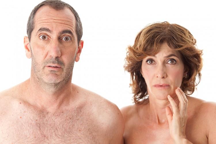 Maria Amelia Monti e Paolo Calabresi sono 'Nudi e crudi' a Monfalcone