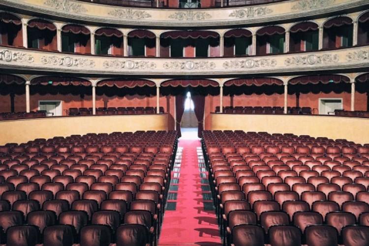 #EmptyTeatroER: racconti fotografici dai teatri emiliano-romagnoli