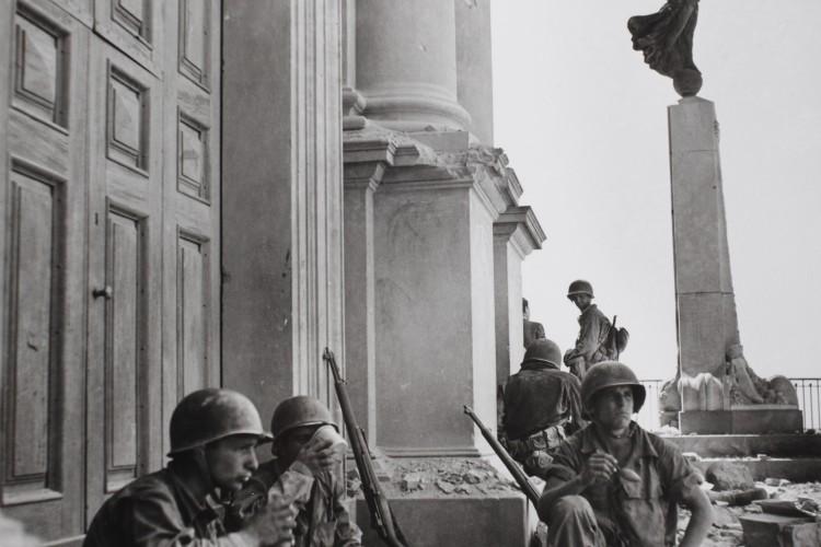 ROBERT CAPA IN ITALIA 1943 – 1944