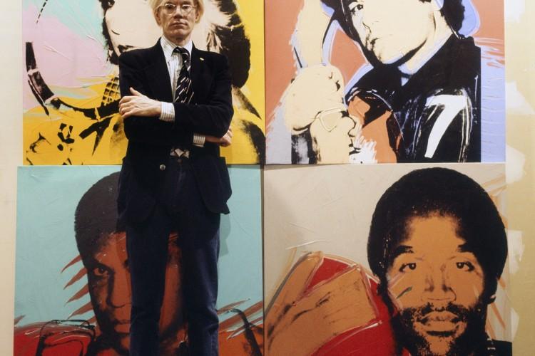 Andy Warhol entra agli Uffizi con due foto