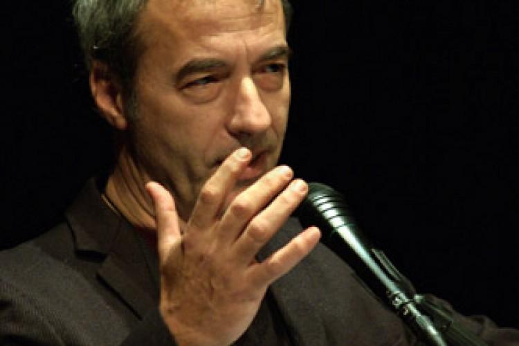 David Riondino si fa in quattro al Teatro di Vetro di Milano