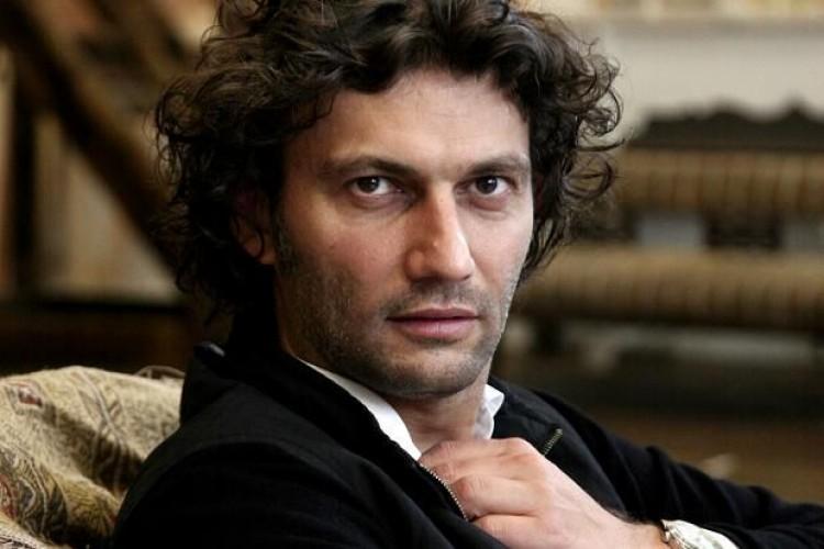 Jonas Kaufmann, il tenore più grande canta Napoli nel teatro più bello al mondo