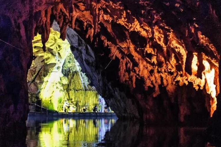 Uno Speleomusical nelle Grotte di Pertosa-Auletta