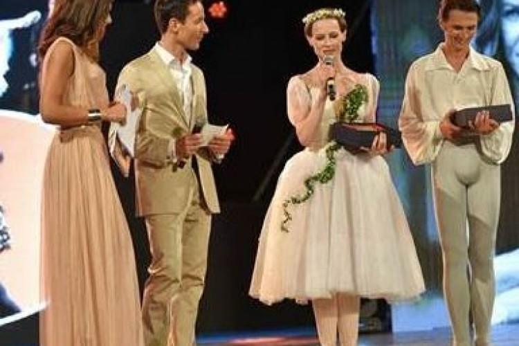 A Nadja Saidakova e Dinu Tamazlacaru il Premio Re Manfredi per la danza