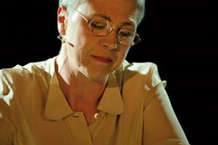 Ottavia Piccolo è una 'Donna non rieducabile'