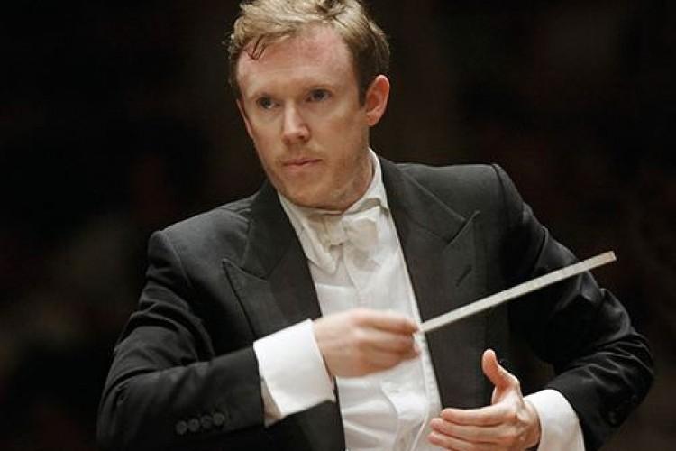 Per la Scarlatti, un avvincente Mozart diretto da Harding