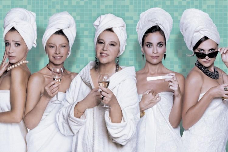 Cinque donne e un bagno