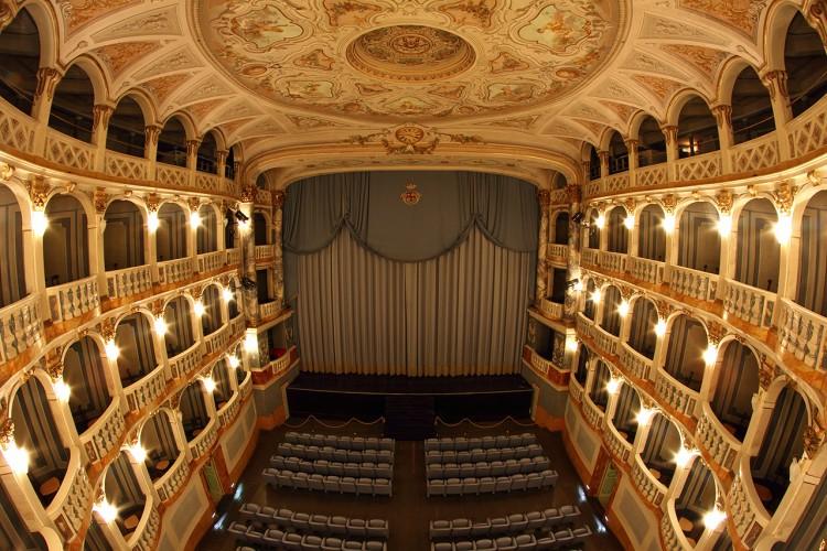 Il Teatro di Macerata trasloca a Recanati