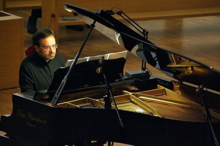 Ciro Longobardi reinterpreta i maestri francesi del Novecento al Teatro di corte