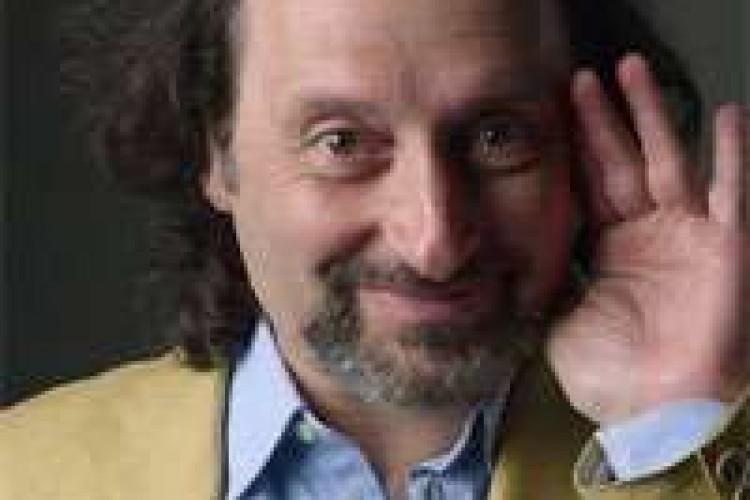 Antonio Cornacchione: sono il primo comico di destra!