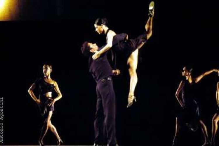 Dal tango al sirtaki, Paganini si rinnova